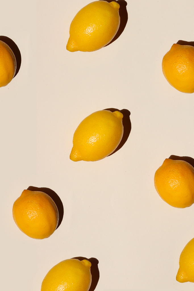 Jus de citron frais pour démarrer la journée